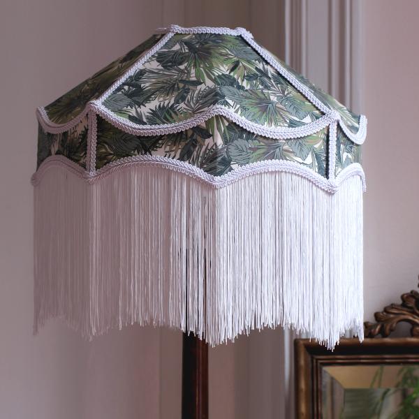 Lampskärm med fransar
