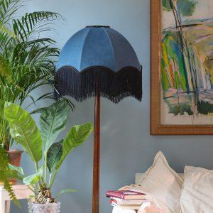 Lampskärm i sammet med fransar