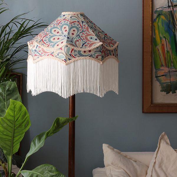 Lampskärm Bellatrix - handsydd lampskärm med fransar